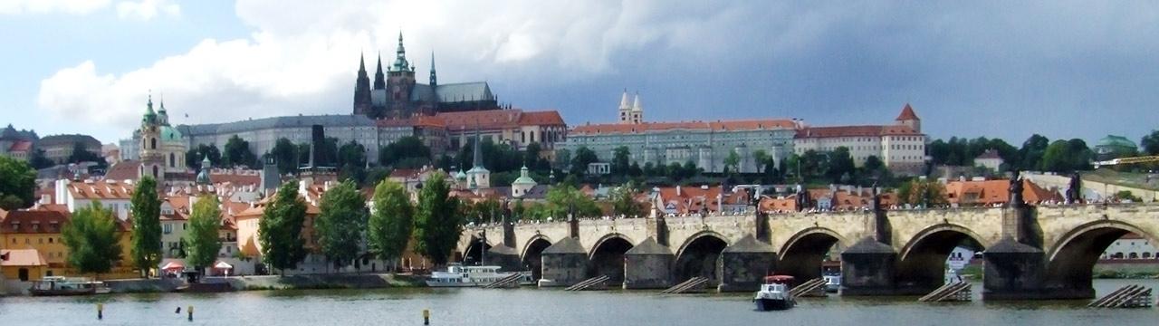 Prag mit Hradschin und Karlsbrücke