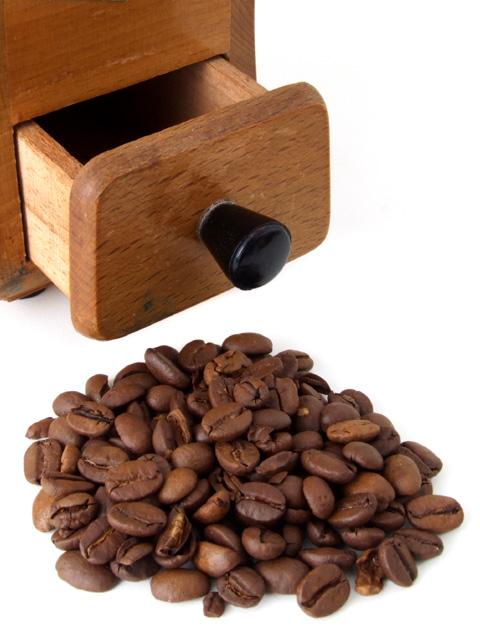 Kaffee und Kaffeemühle