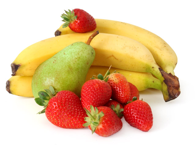 Bananen, grüne Birne und Erdbeeren