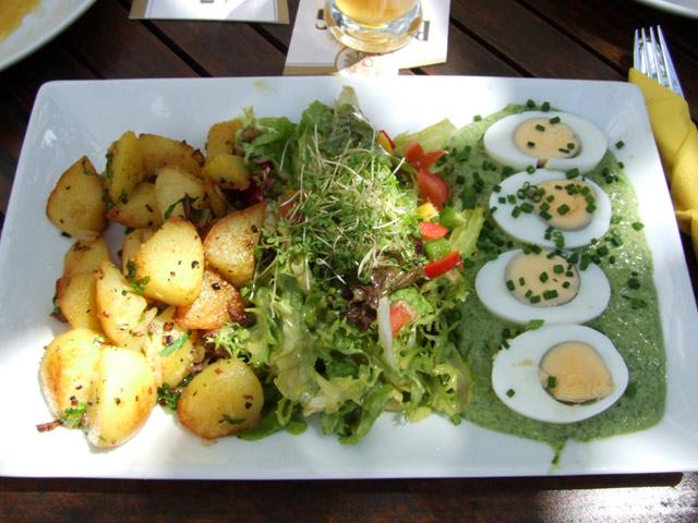 Frankfurter grüne Sauce mit Bratkartoffeln