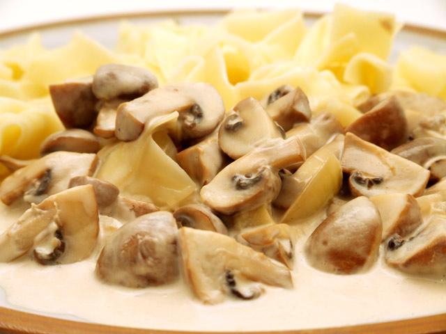 champignons nudeln pilze