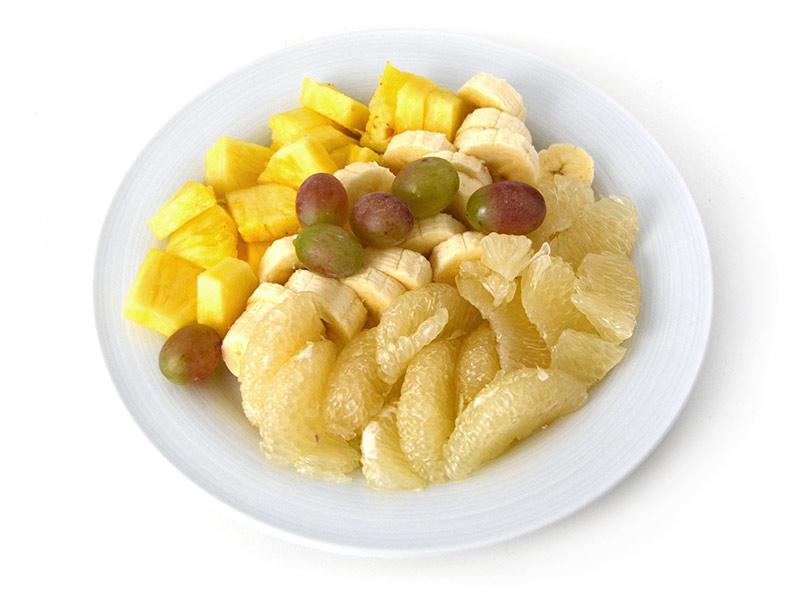 Obst: Ananas Banane Sweetie Weintrauben