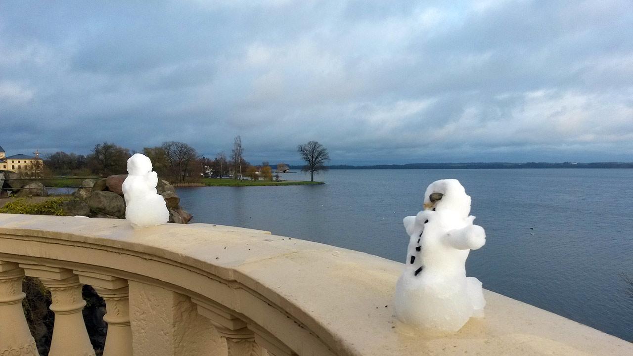 Schneemann in Schwerin - der erste Schnee im Winter 2015/2016