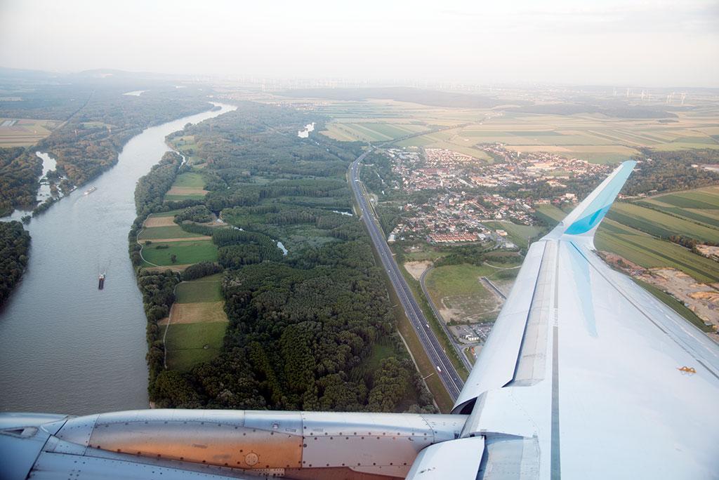 Wien – Abflug mit Blick auf die Donau