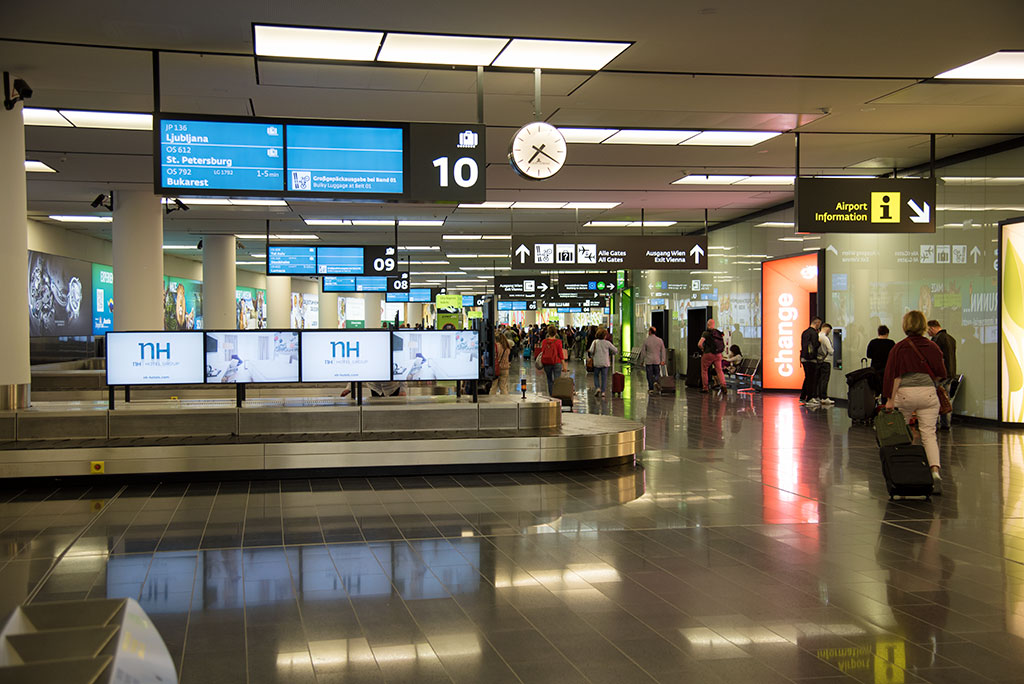 Ankunft am Flughafen Wien
