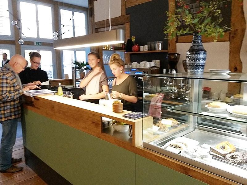 MÜLLERS Cafe-Bistro-Kneipe in Schwerin - Tresen