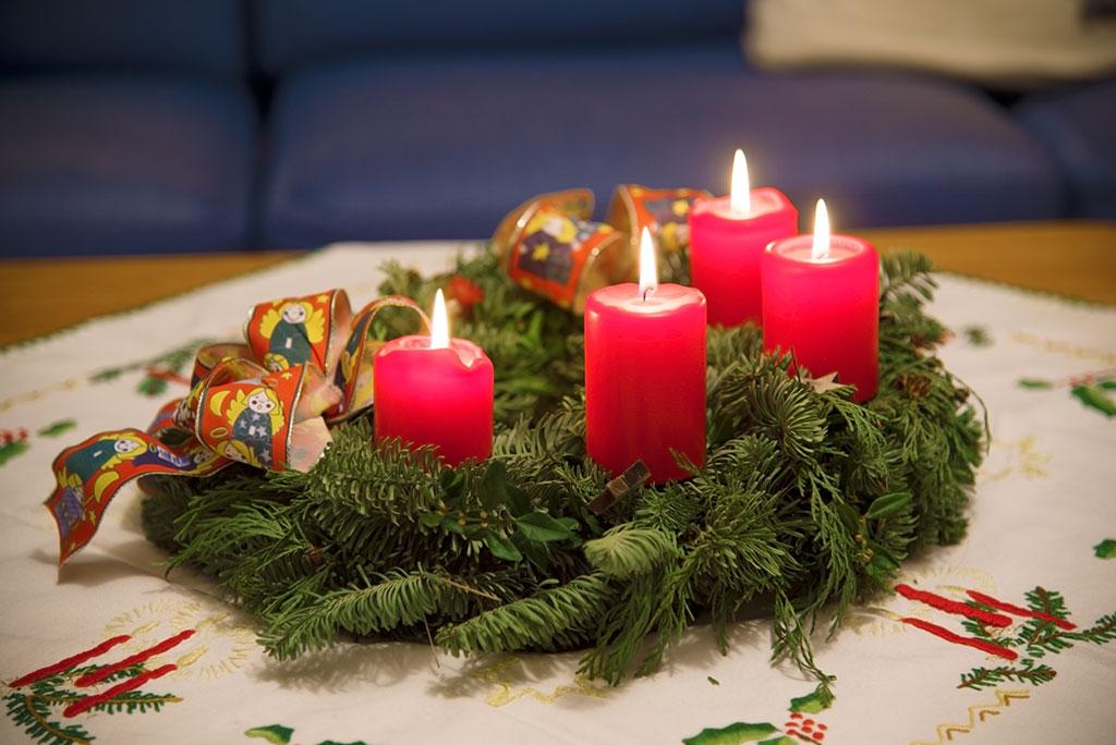 am 4 advent die vierte kerze brennt putzlowitscher zeitung. Black Bedroom Furniture Sets. Home Design Ideas